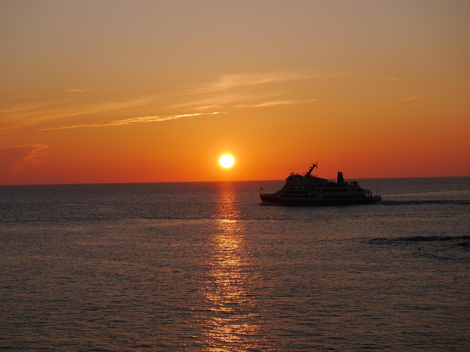 夕陽とおーろら2.JPG